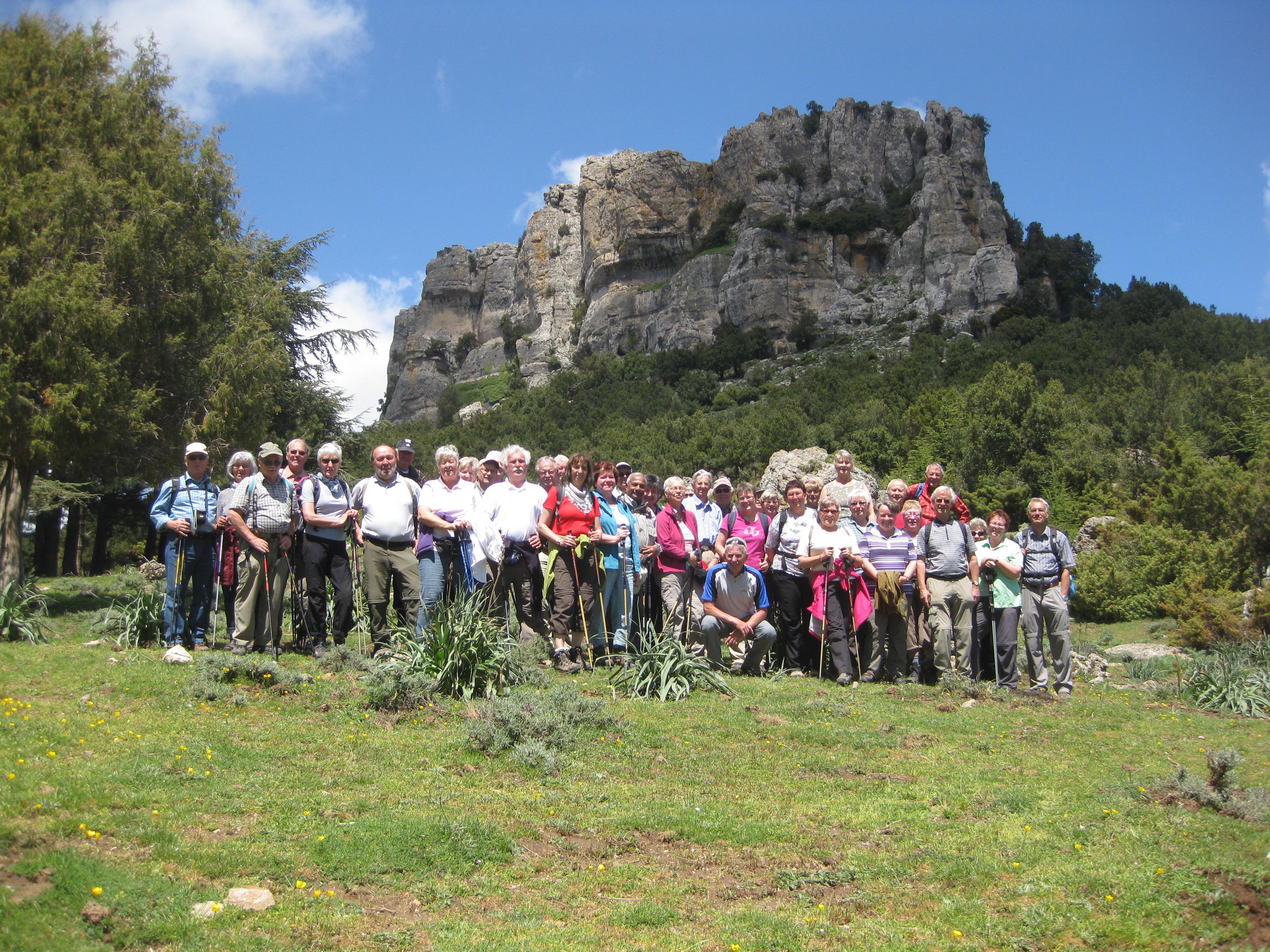 Gruppe unter dem Nuovo Giovanni Wanderreise Sardinien   SAV Lichtensteingau