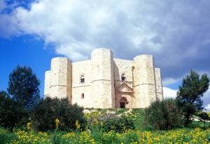 I Apulien Castell del Monte 300x205 Italien