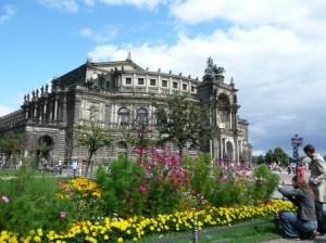 Deutschland Dresden Semperoper Foto Weber 300x224 Länder